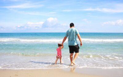 Sådan får du en billig ferie, hvor du kan hygge dig med børnene